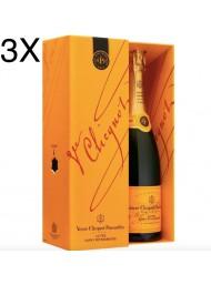 Veuve Clicquot - Cuvee Saint Petersbourg - Champagne AOC - Coffret - 75cl